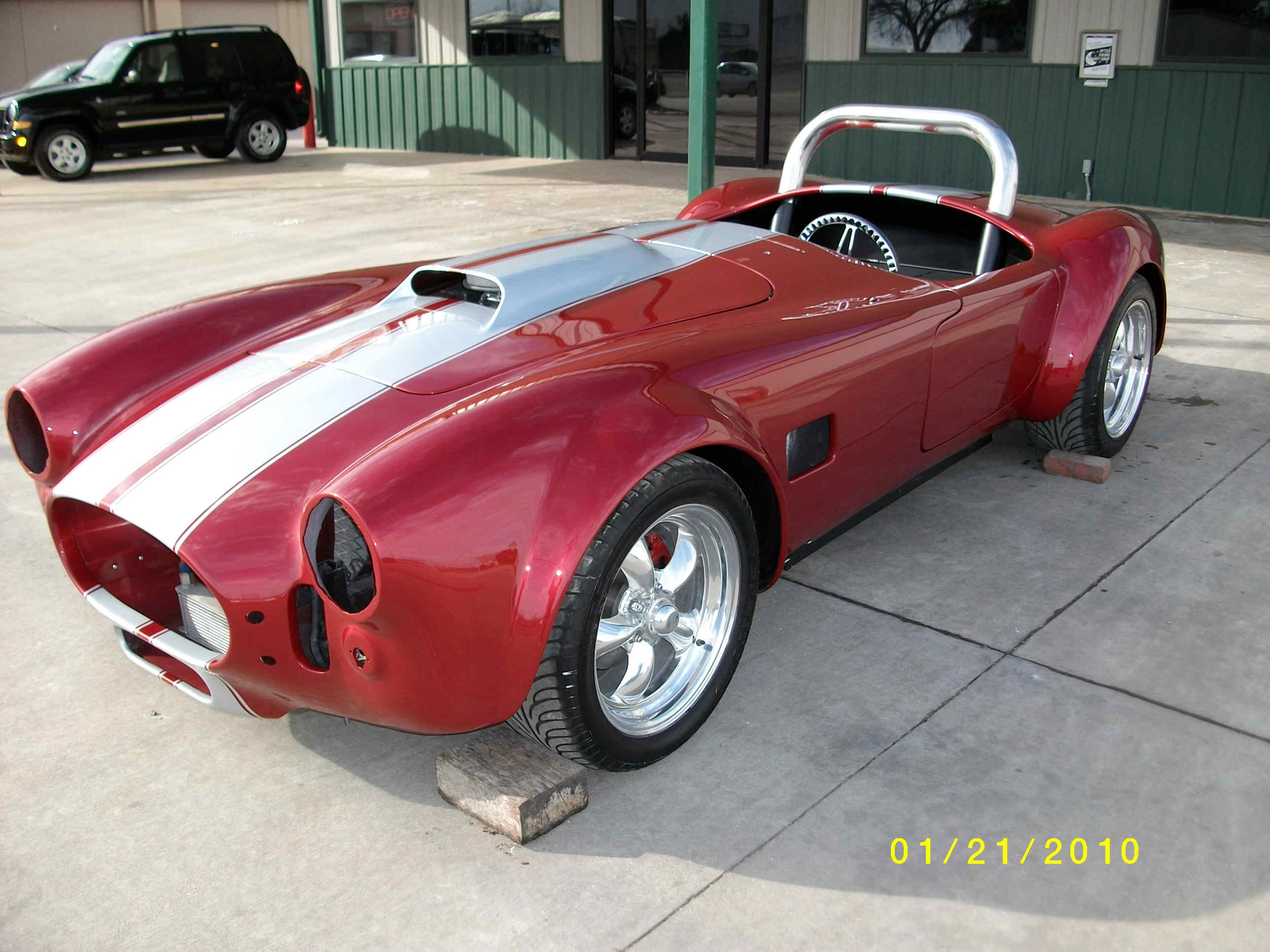 Custom two-tone Cobra by Body Worx of Guthrie